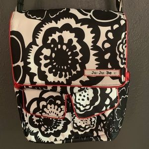 Onyx Blossoms Be Hip JuJuBe with Back Pack straps
